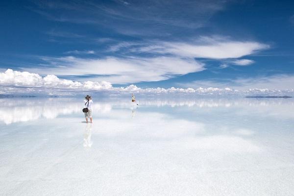 Salar de Uyuni-Amazing Landscapes Around The World