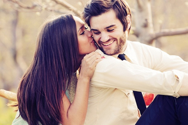 Cheek kiss-Different Kisses And Their Meanings