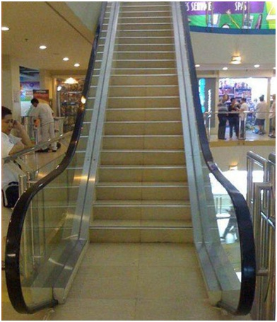 Non-Moving Escalator-Funniest