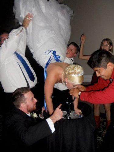 Bride goes upside down-Hilarious Wedding Photos