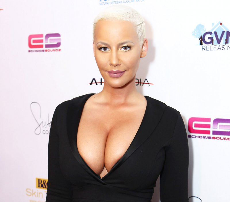 Amber Rose-12 Big Breasts Celebrities In Hollywood