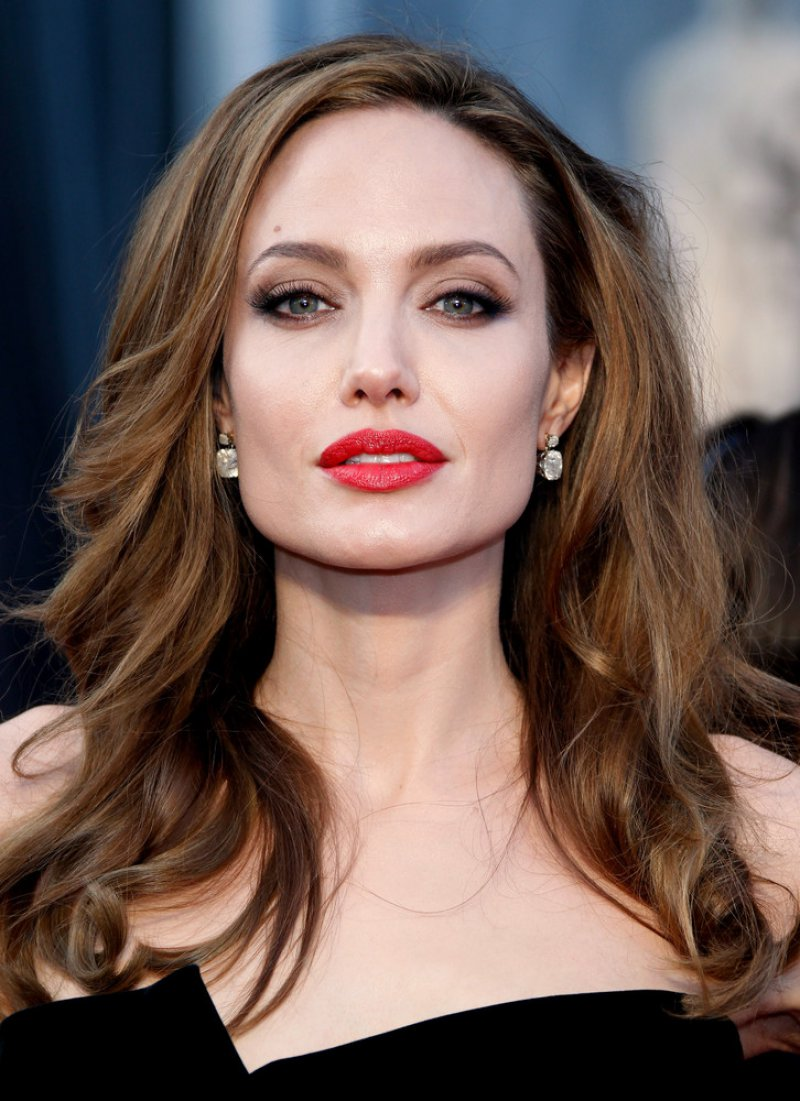 Angelina Jolie Net Worth (5 Million)-120 Famous Celebrities And Their Net Worth
