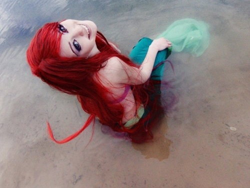 Ariel cosplay-15 Best Disney Cosplays You'll Ever See