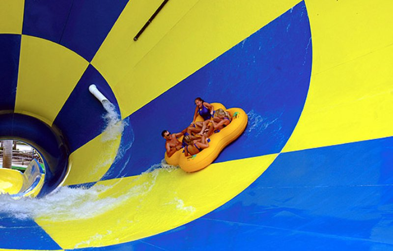 Big Thunder-15 Craziest Water Slides That Will Make You Say WOW!