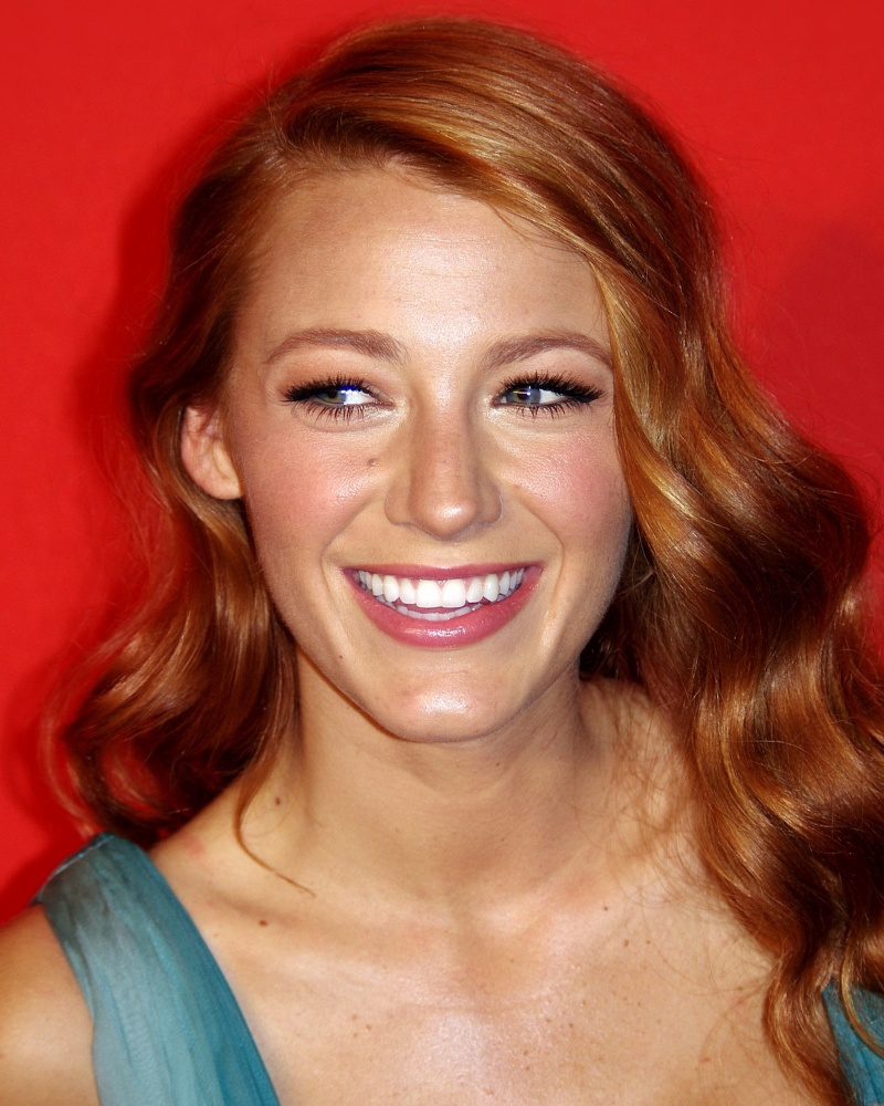 Blake Lively-12 Hottest Actresses You Will Never See Naked In Movies