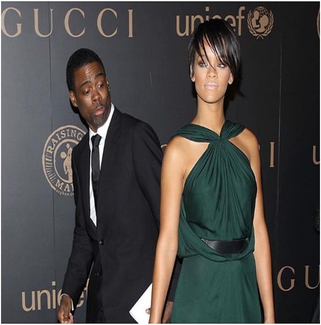 Chris Rock Photobombs Rihanna-Top Hilarious Celebrity Photobombs