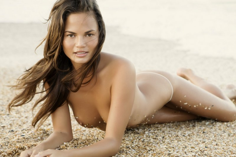 Chrissy Teigen Nude Pics-Top 12 Fashion Models And Their Nude Pics