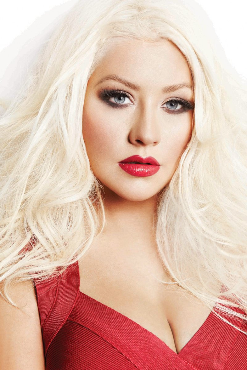Christina Aguilera-12 Famous Blondes In Hollywood
