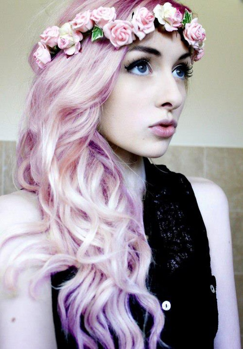 Colorize Your Hair With Light Hues-12 Ways To Become A Pastel Goth