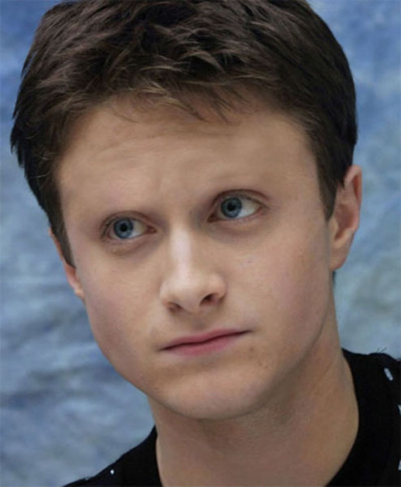 Daniel Radcliffe-15 Celebrities Without Eyebrows You Never Seen Before