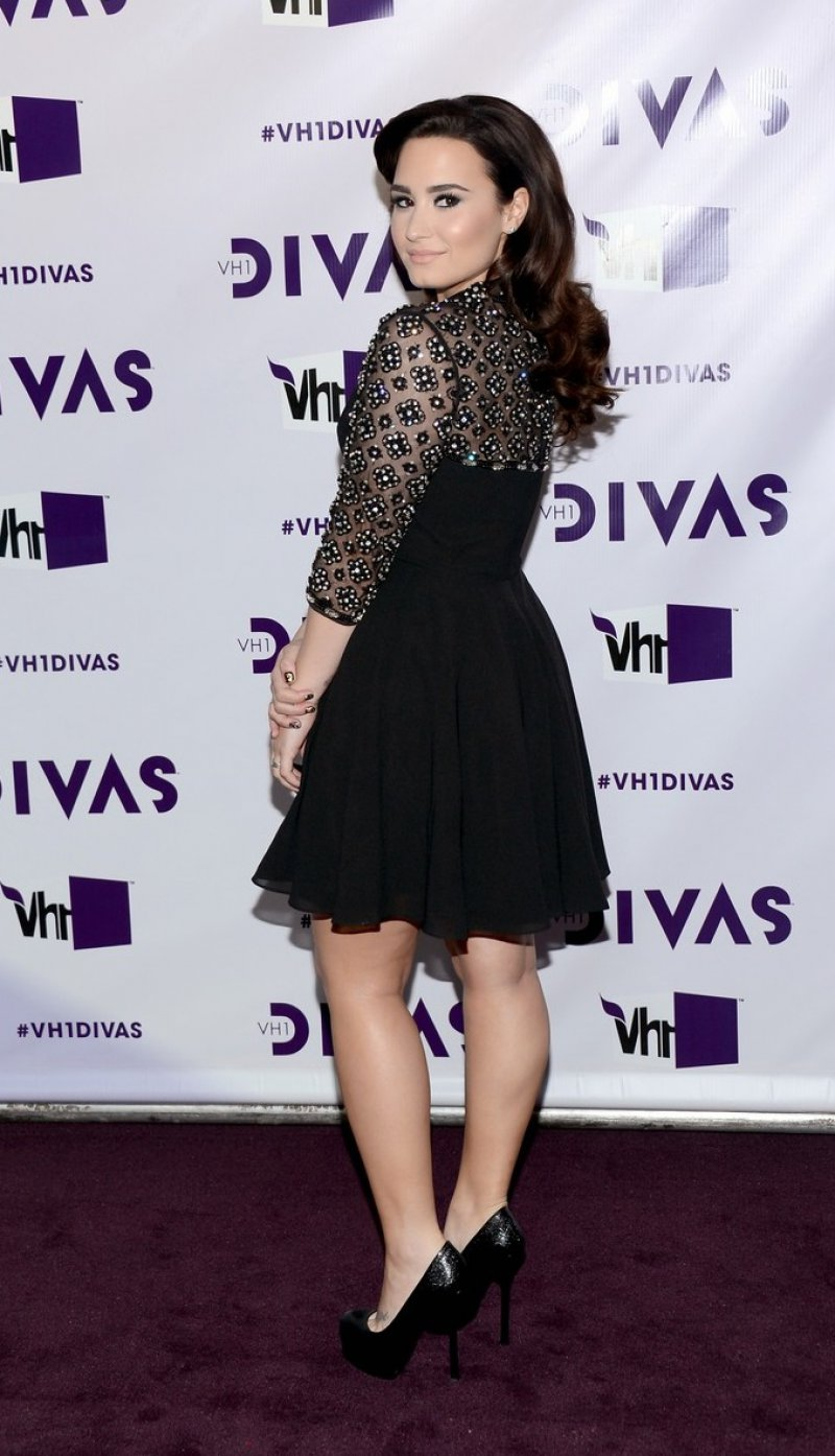 Demi Lovato's Legs and Feet-23 Sexiest Celebrity Legs And Feet