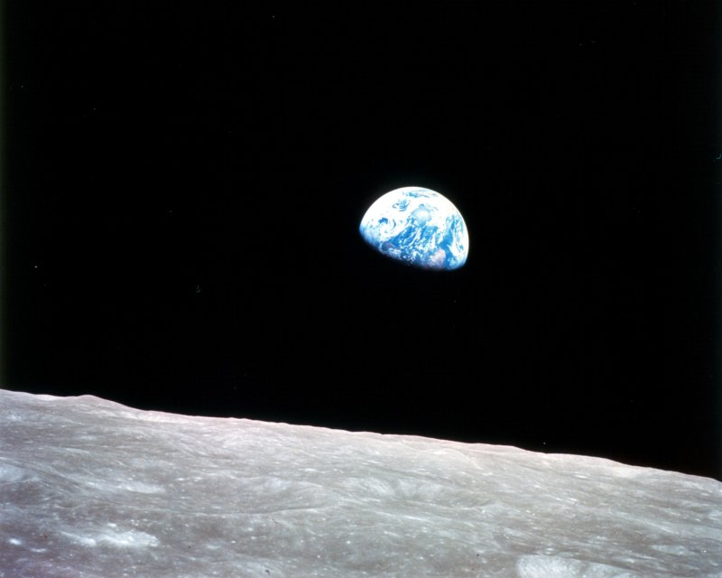 Earthrise From Moon-13 Awesome Pictures That Will Make Your Day