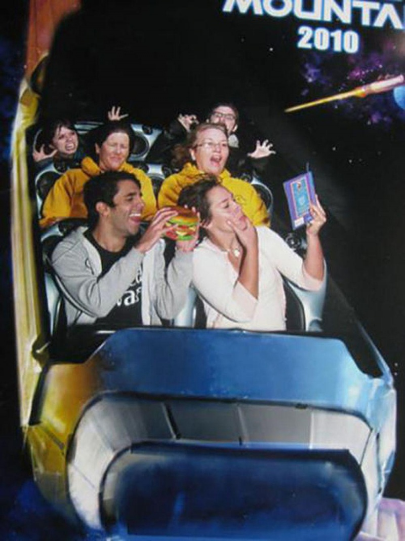 Eating A Sandwich-12 Funniest Rollercoaster Pictures