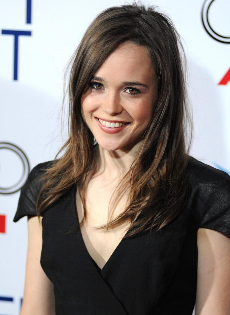 Ellen Page-12 Hottest Lesbians From Around The World