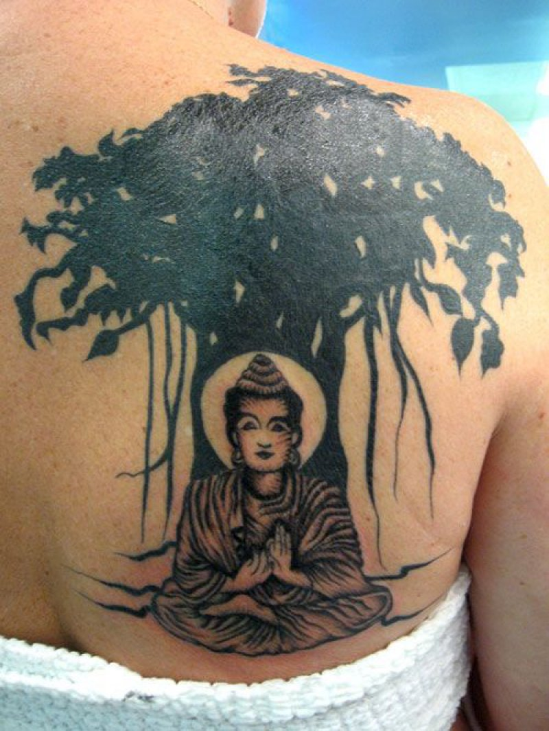 Gautama Buddha Under Bodhi Tree-12 Amazing Buddha Tattoos That Will Make You Say I Want One