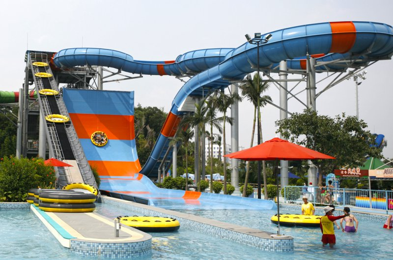 Giant Slide-15 Craziest Water Slides That Will Make You Say WOW!