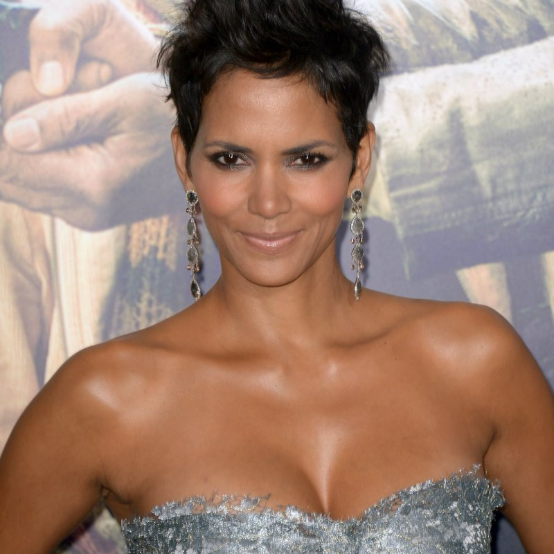 Halle Berry-12 Celebrities You Probably Don't Know Have Diabetes
