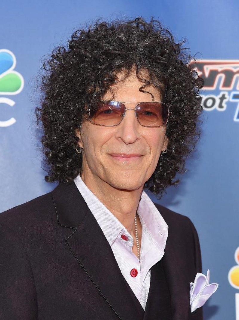 Howard Stern-12 Famous Celebrities Suffering From OCD