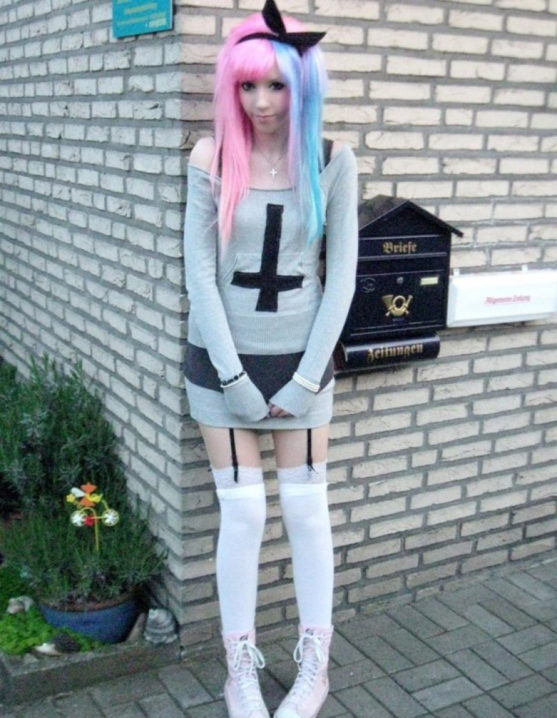 Inspect Your Closet-12 Ways To Become A Pastel Goth