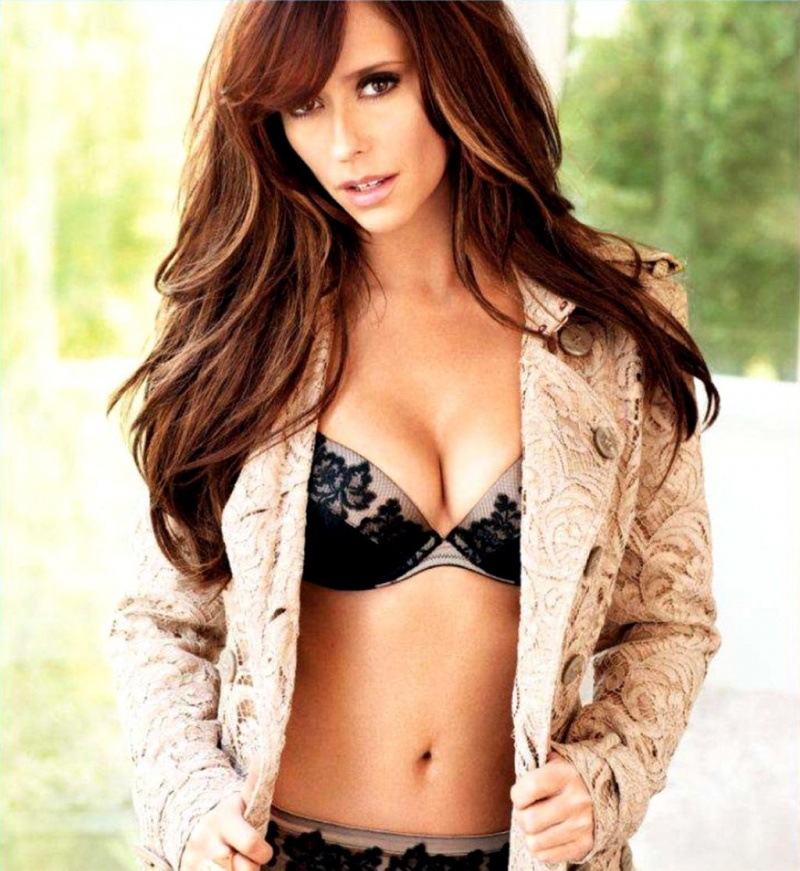 Jennifer Love Hewitt-12 Hottest Actresses You Will Never See Naked In Movies