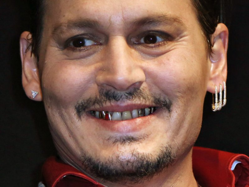 Johnny Depp's Silver Teeth-12 Things You Didn't Know About Johnny Depp