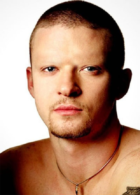 Justin Timberlake-15 Celebrities Without Eyebrows You Never Seen Before