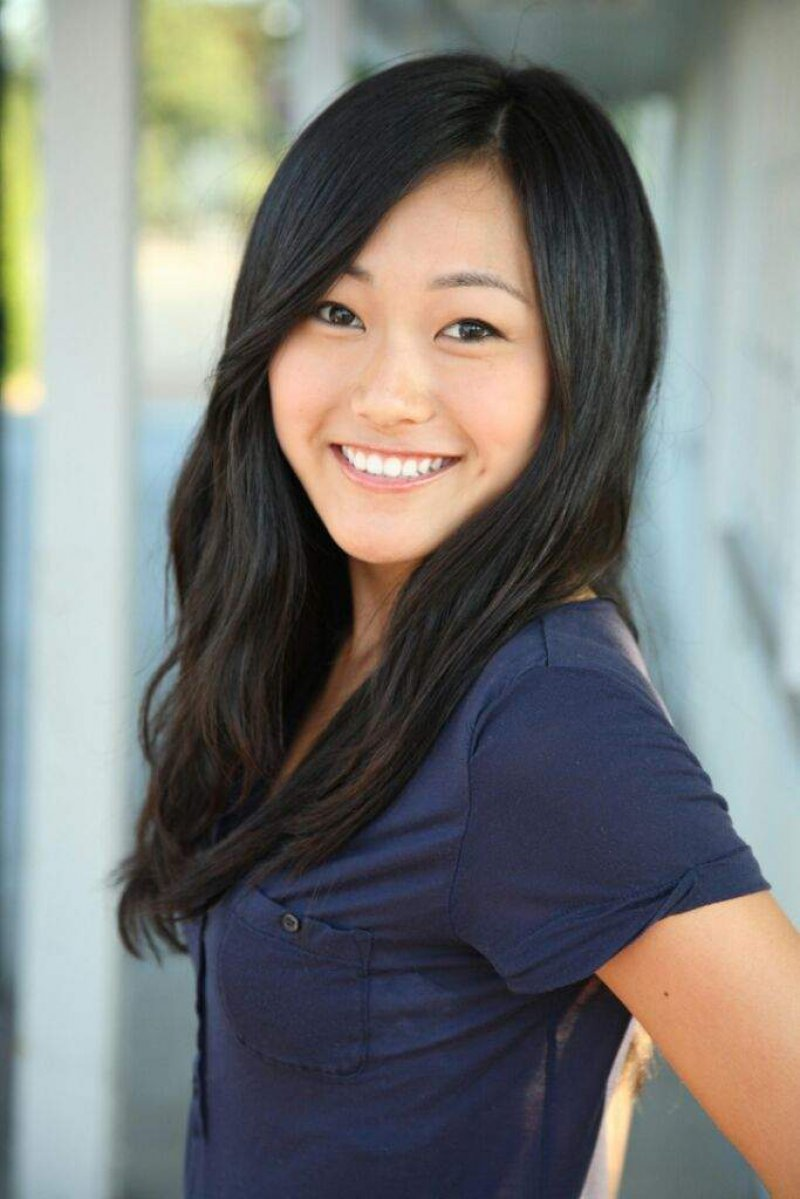 Karen Fukuhara-12 Hottest Asian Girls In Hollywood
