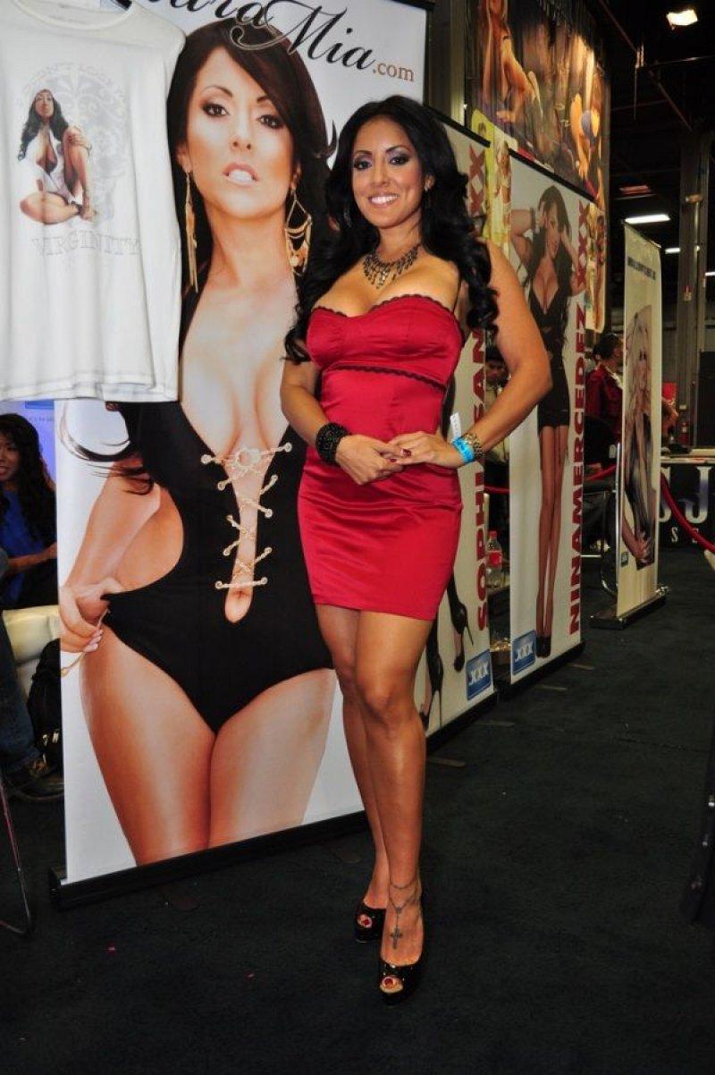 Kiara Mia-12 Hottest Pornstars To Follow On Instagram