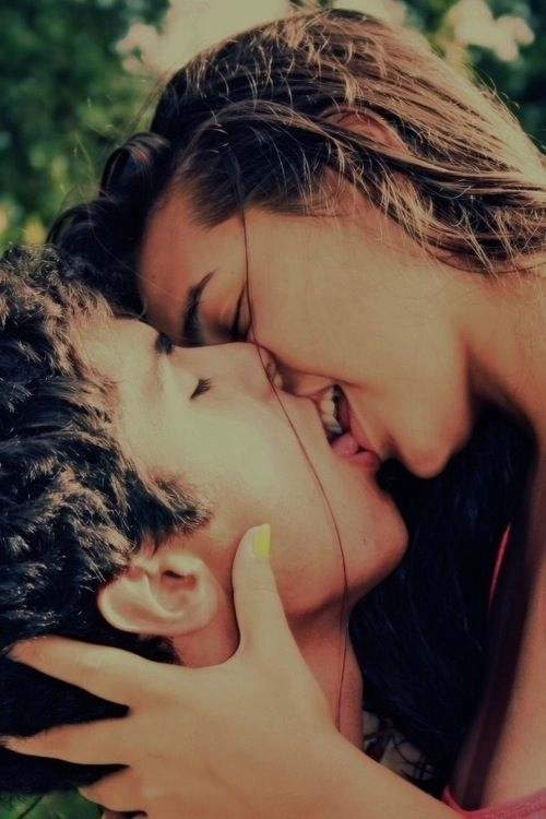 Kissing And Your Teeth-15 Mind Blowing Facts About Kissing