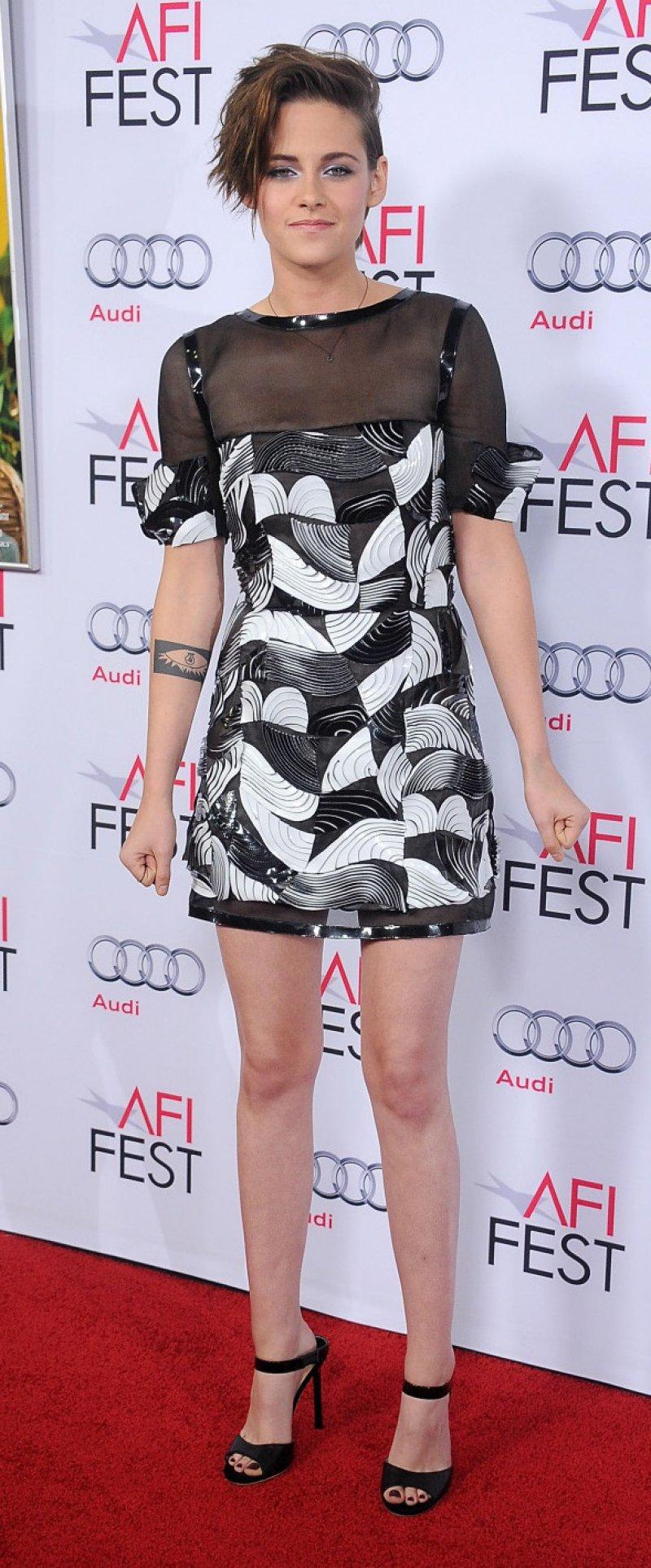 Kristen Stewart S Legs And Feet 23 Sexiest Celebrity Legs