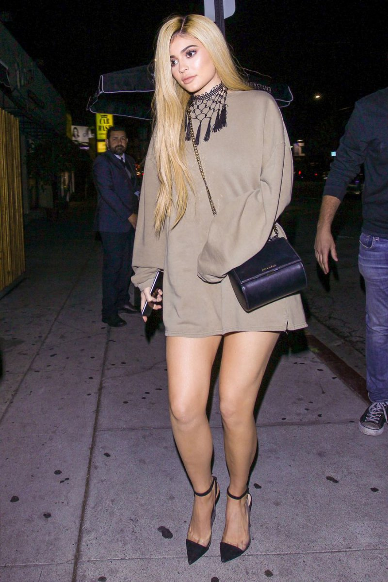Kylie Jenner's Legs and Feet-23 Sexiest Celebrity Legs And Feet
