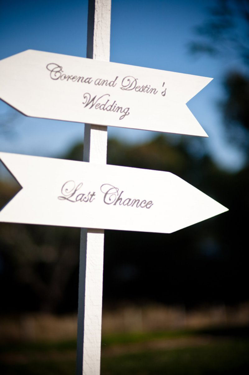 Last Chance Sign-12 Funniest Wedding Signs Ever Seen