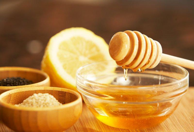Lemon And Honey Mix-12 Easy Ways To Tighten Skin