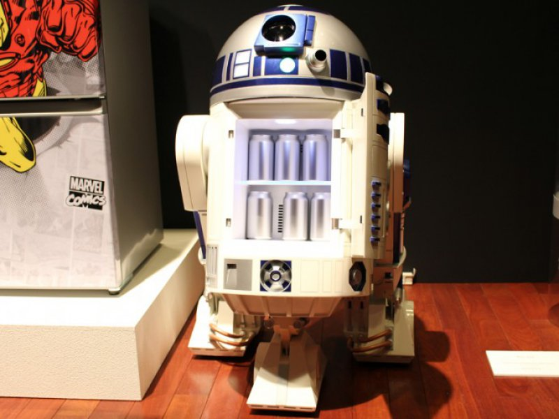 Life Size Moving R2-D2 Refrigerator-12 Gadgets That Make You Want To Say Dude I Want That