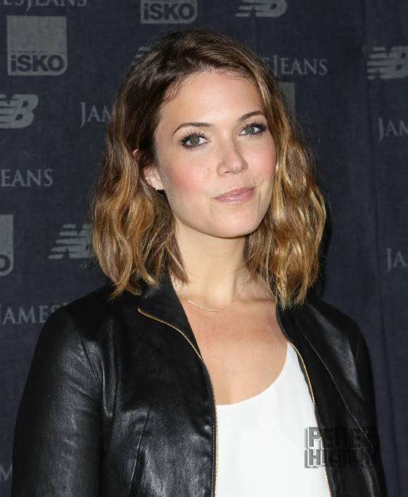Mandy Moore-12 Hottest Actresses You Will Never See Naked In Movies