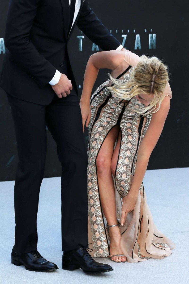 Margot Robbie Feet And Legs 23 Sexiest Celebrity Legs And Feet