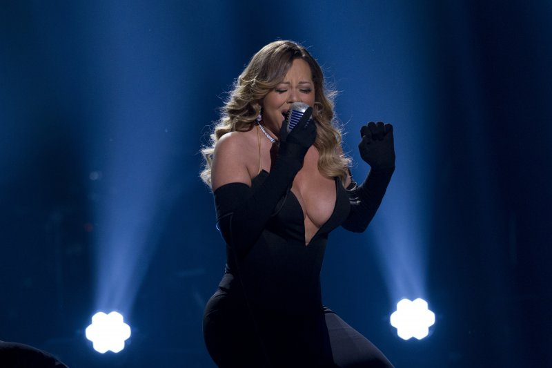 Mariah Carey-12 Big Breasts Celebrities In Hollywood