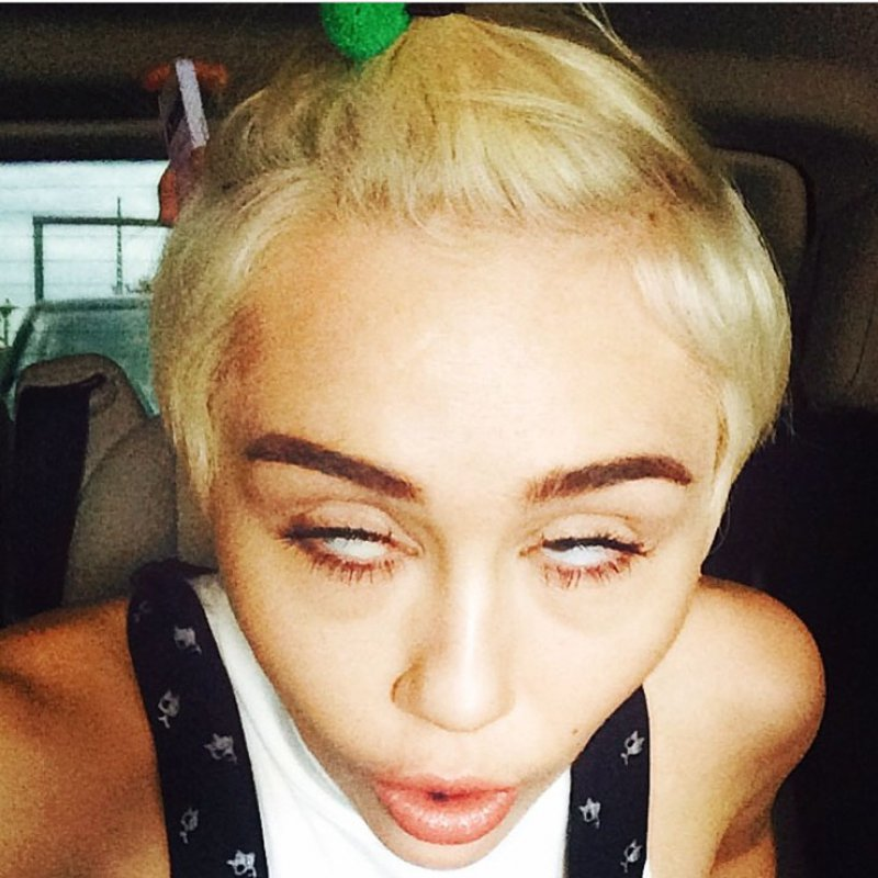Miley Cyrus Wacky Face-15 Stupidest Faces Our Favorite Celebrities Make