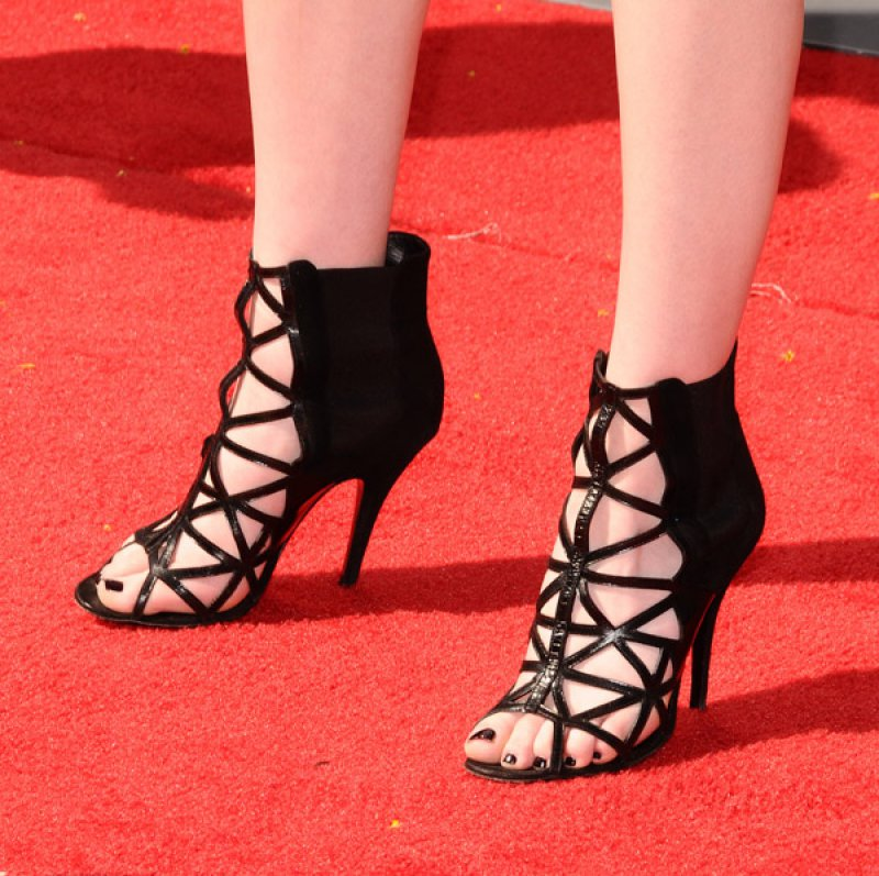 Miranda Cosgrove's Legs And Feet-23 Sexiest Celebrity Legs And Feet