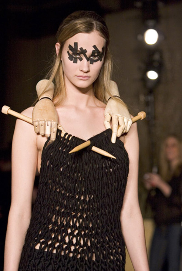 Ouch!-12 Funniest Catwalk Fails