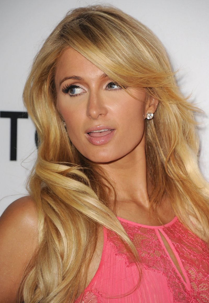 Paris Hilton-12 Famous Blondes In Hollywood