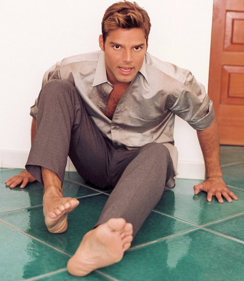 Ricky Martin-12 Celebrities Who Have Foot Fetish