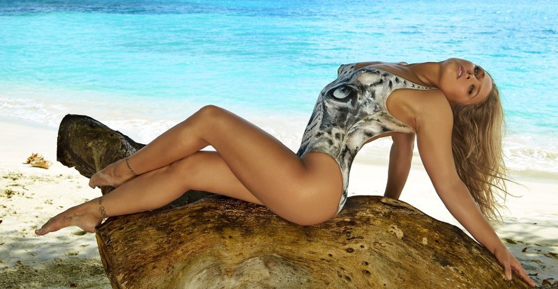 Ronda Rousey Feet And Legs-23 Sexiest Celebrity Legs And Feet