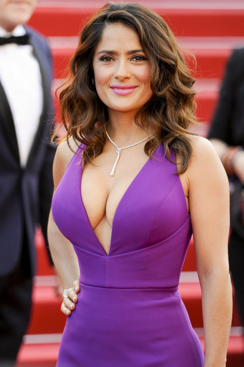 Salma Hayek-12 Big Breasts Celebrities In Hollywood