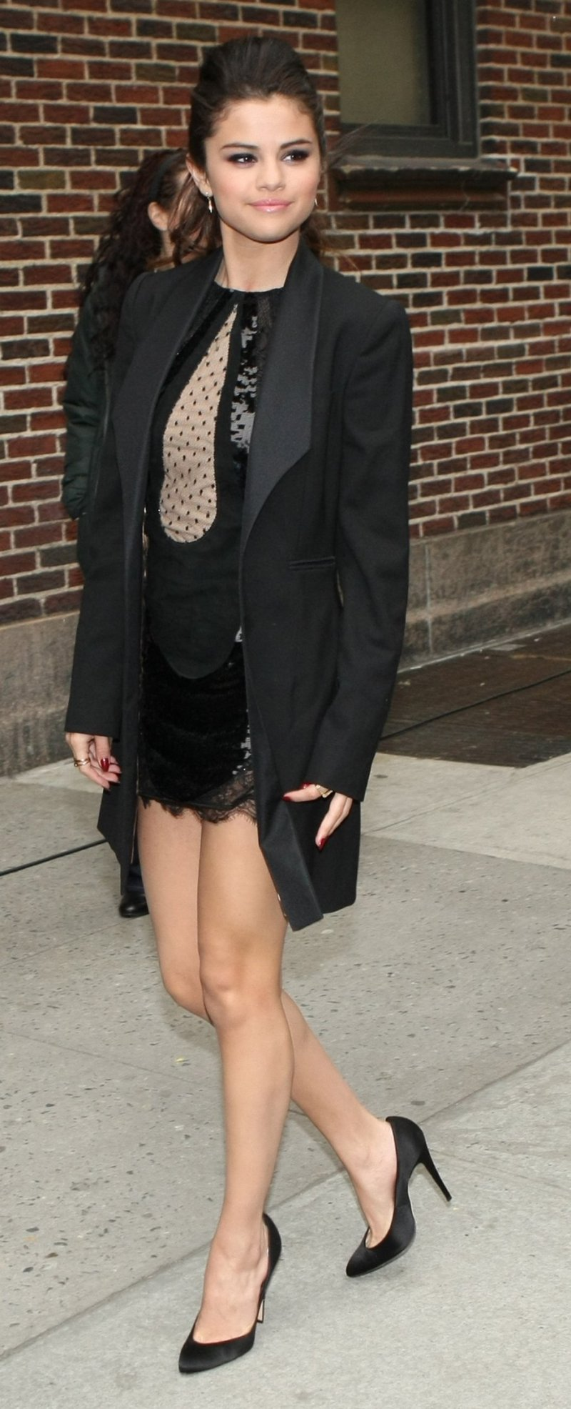 Selena Gomez S Legs And Feet 23 Sexiest Celebrity Legs And