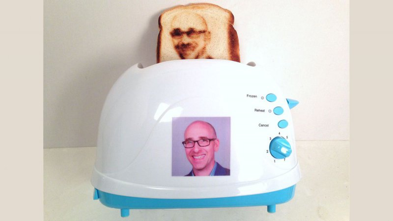 Selfie Toaster!-12 Gadgets That Make You Want To Say Dude I Want That
