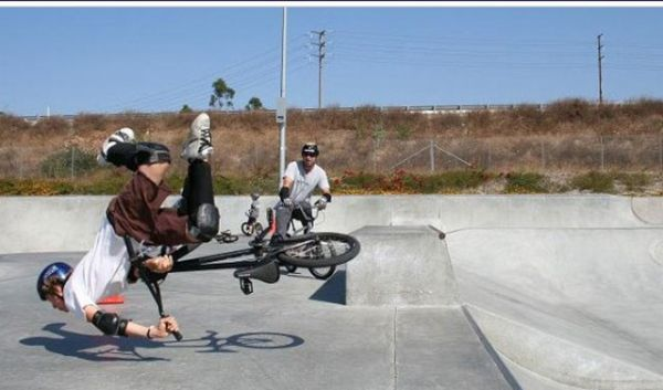 Bike stunts gone wrong-Perfectly Timed Mind Blowing Photos