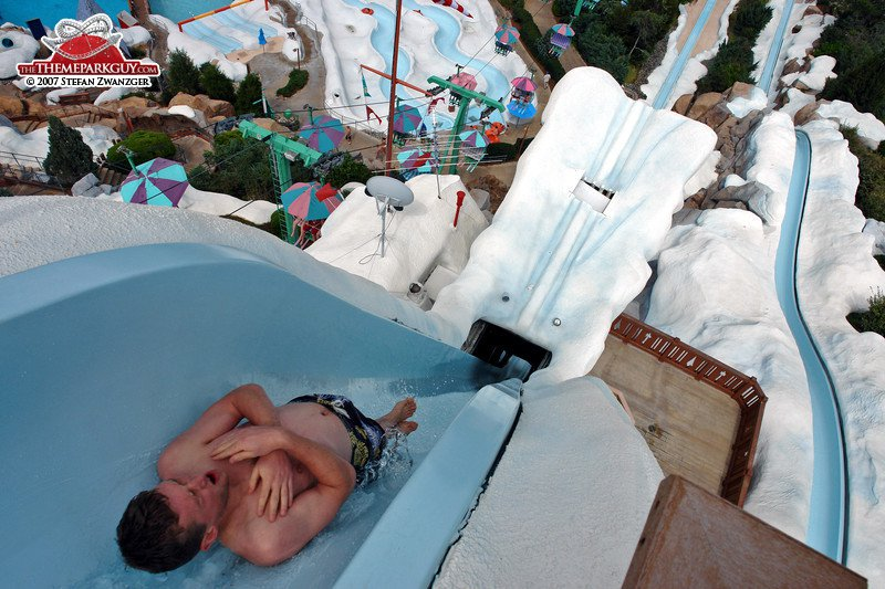 Summit Plummet-15 Craziest Water Slides That Will Make You Say WOW!