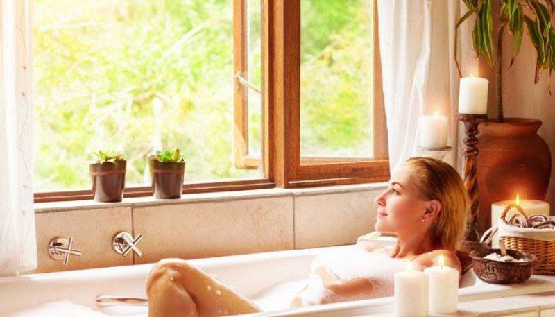 Take Frequent Salt Water Baths-12 Easy Ways To Tighten Skin