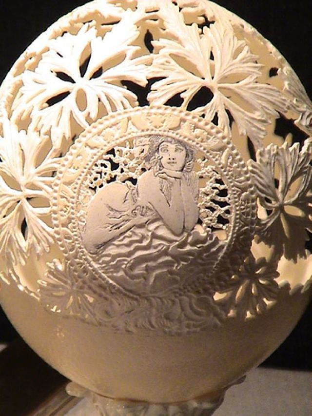 The Lady-15 Eggshell Carvings That Are Beautiful